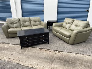 Sofa and loveseat with center table and end table for Sale in Houston, TX