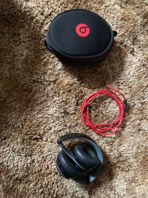 Beats by Dre Solo 2 for Sale in Oxnard, CA