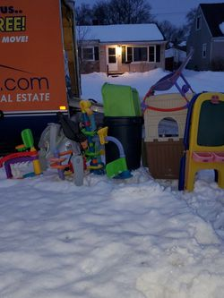 Baby Toddler Free Curbside Pick Up for Sale in Ypsilanti,  MI