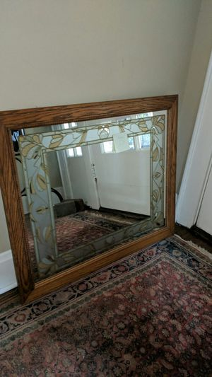 34x28 Wall Mirror for Sale in Bexley, OH