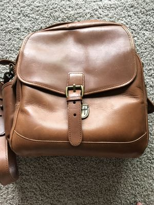 L.l bean vintage crossbody genuine leather bag for Sale in Marlborough, MA