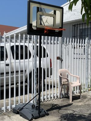 Adjustable basketball hoop for Sale in Miami, FL