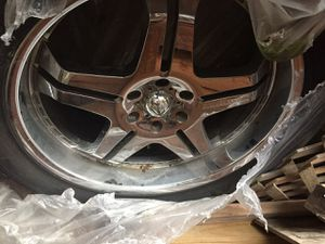 23 inch chrome truck wheels for Sale in Baltimore, MD