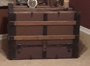 Old chest for Sale in Columbia, MO