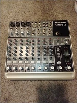 Mackie 1202 VLZ3 12 ch Compact Mixer for Sale in Las Vegas, NV
