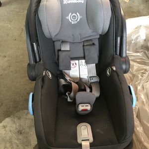 Uppababy Mesa Infant Baby Car And Travel Seat With Base for Sale in Rosemead, CA