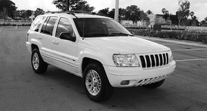 Automatic O4 Jeep SUV Grand Cherokee 4WDWheels for Sale in Little Rock, AR