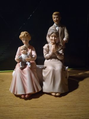 Three individual porcelain figures for Sale in Lakewood, WA