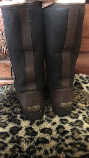 Ugg size 8 for Sale in Las Vegas, NV