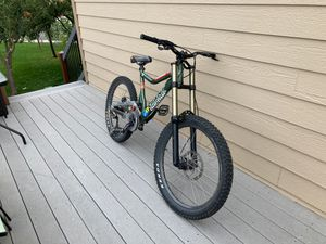 Giant down hill bike for Sale in Arvada, CO