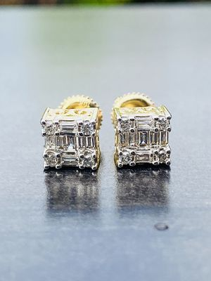 YELLOW GOLD 10k .42ct DIAMOND STUD EARRINGS MENS OR LAIDES for Sale in Sugar Land, TX