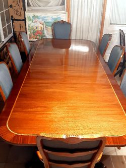 Beautiful wood dining room table with 8 chairs Sets. EXELLENT CONDITION . 🌹 2 Chairs Have arms 6 chairs no armro. Long table 120 in. Solid Wood for Sale in Houston,  TX