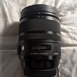 Sigma 24-70mm F/2.8 Canon EF for Sale in Danbury, CT