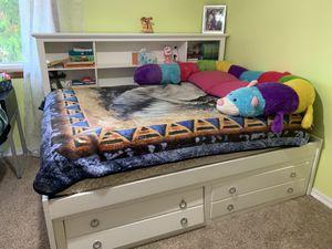 Bedroom furniture set for Sale in Renton, WA