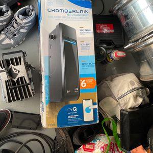 Chamberlain Garage Door Opener for Sale in Lakewood, WA