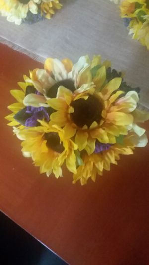 New Wedding Bouquets Sunflower for Sale in Fontana, CA