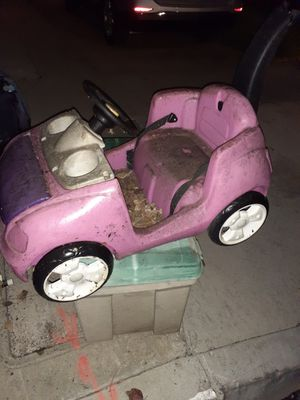 Free free free pink car for Sale in Long Beach, CA