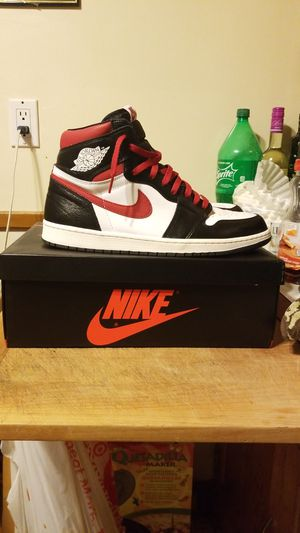 "Jordan Retro 1 High OG ""guy red"" for Sale in Brooklyn Center, MN"