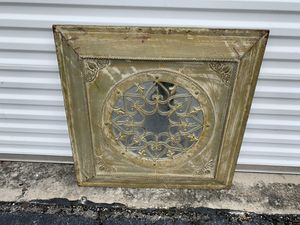 Rustic Shabby chic farmhouse style vintage wall mirror decor! Very timeless piece. Easy to hang. Good condition. Dimensions: 30x30in for Sale in Royal Palm Beach, FL