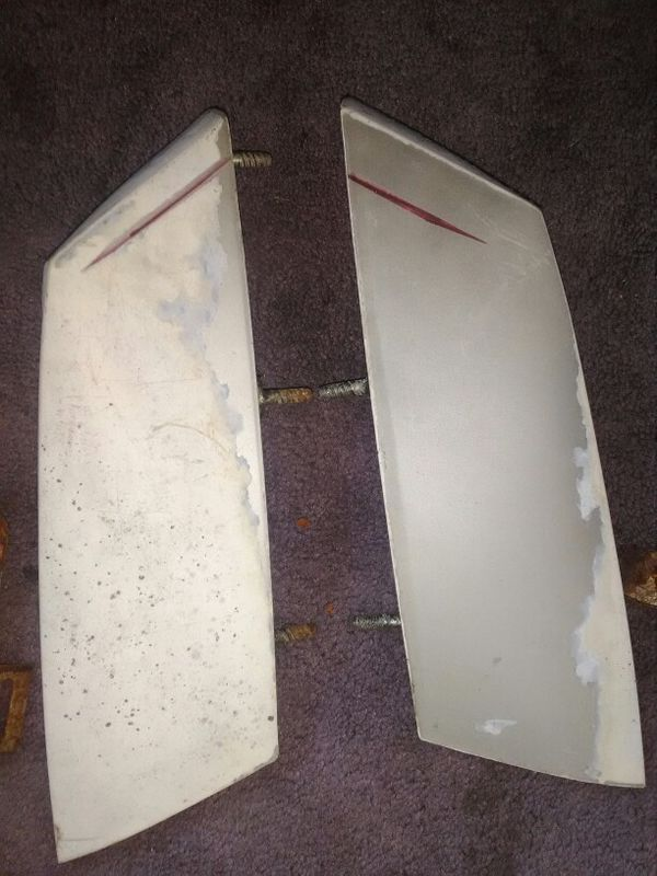 Corner fillers for a 7879 Cutlass maybe the 80 good condition no cracks normal wear and tear