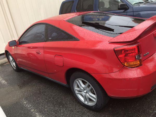 Vendo Toyota selica 2005 con 150.000 millas todo trabaja bien