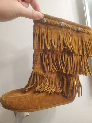Minnetonka 3 layer fringe original boots. Girls size 1 for Sale in Pompano Beach, FL