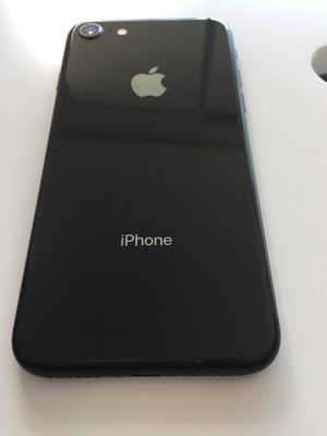 iPhone 8 64gb like new Condition Unlocked for Sale in North Miami Beach, FL
