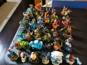 Skylanders with 158 characters 4 Traps for Sale in Irving, TX