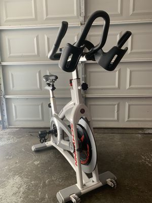 Indoor cycling bike for Sale in Des Peres, MO