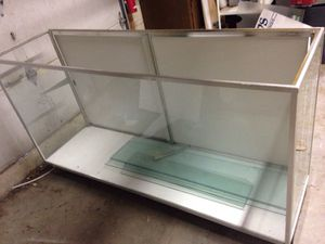 Glass display case for Sale in Caledonia, MI
