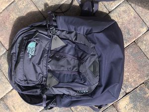 North Face Recon backpack - like new for Sale in Prospect Heights, IL