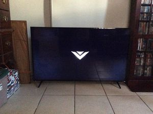 Vizio 60 inch smart TV for Sale in Inglewood, CA