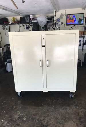 Knaack gang job box / storage tool chest for Sale in Kissimmee, FL
