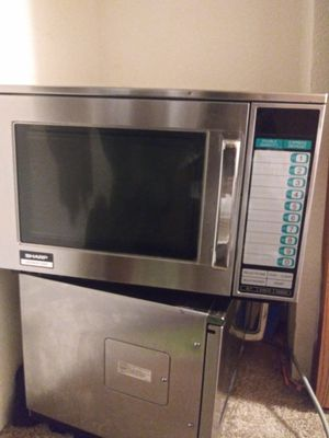 Sharp 1200 W/R 22-GT for Sale in Los Angeles, CA