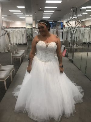 Wedding dress and veil for Sale in San Diego, CA