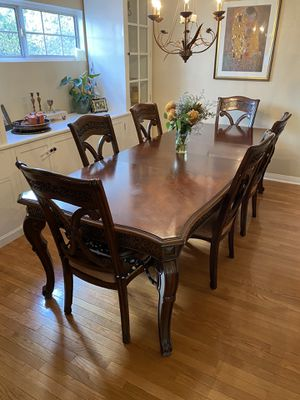 Antique Dining Room Table (Adjustable Length!) for Sale in Los Angeles, CA