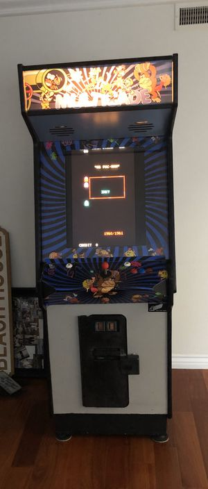 60 in 1 arcade game 24 inch LCD works perfect, no issues at all for Sale in HUNTINGTN BCH, CA