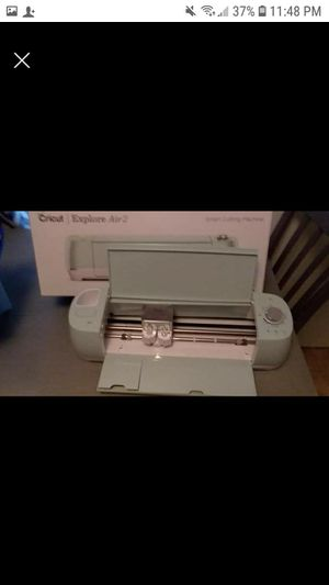 Cricut Explore Air 2 with supplies (never opened) and lots of vinyl . Only used twice new..bluetooth for Sale in Raleigh, MS