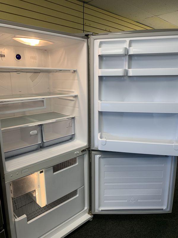 "Samsung, 33"" Wide, Bottom Freezer, Stainless Steel Refrigerator in Excellent Condition"