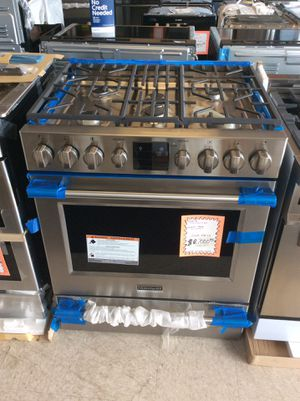 Stainless steel Frigidaire gas range for Sale in The Bronx, NY