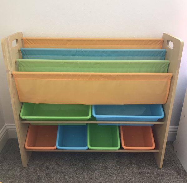 Kids book/toy shelf