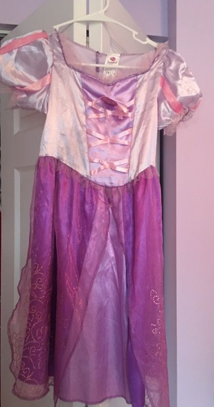 Tangled (Halloween Costume) size 8-10 M
