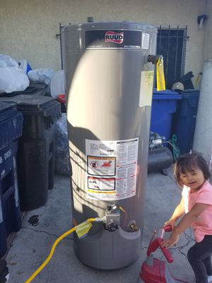 Ruud professional water heater for Sale in Los Angeles, CA