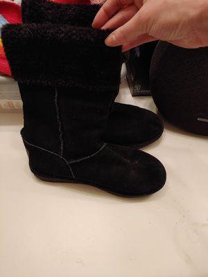 Skechers snow boots black for Sale in Las Vegas, NV
