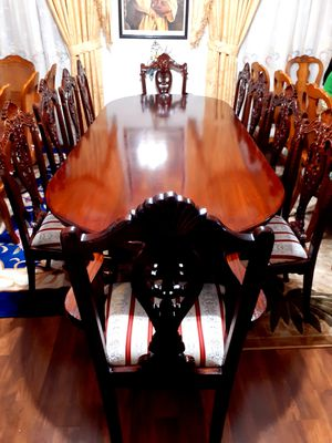 🌹🌿Beautiful dining room table with 10 chairs. EXELLENT CONDITION LIKE NEW. 🌹🌿 👍Made in Indonesia . for Sale in Houston, TX
