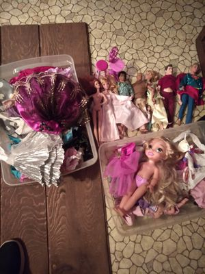 Barbie's and clothing accessories for Sale in Morristown, TN