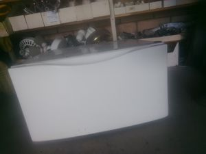 Whirlpool Appliance Pedestal for Sale in Upland, CA
