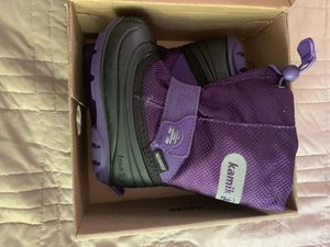 Kids snow boots size 7 for Sale in Fontana, CA