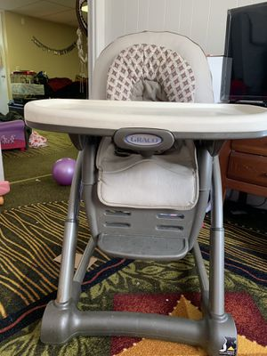 Graco Convertible High Chair for Sale in Newburgh, NY