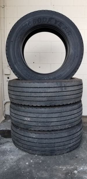 SET DE LLANTAS GOODYEAR METRO MILER B 275/70R22.5 for Sale in Compton, CA